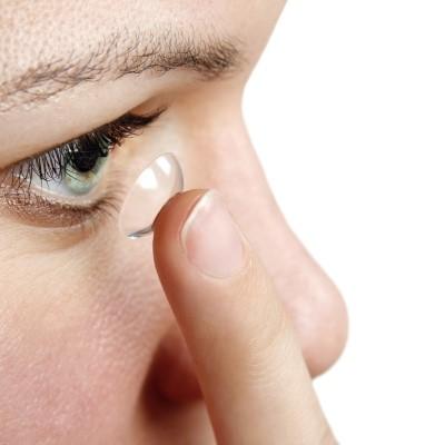 סיבוכי עדשות מגע ודלקת קרנית עלול להסבר נזק בלתי הפיך לראייה. דלקת קרנית חיידקית (microbial keratitis) הינה סיבוך הנפוץ והמשמעותי ביותר בקרב מרכיבי עדשות מגע באדיבות דר' ניר ארדינסט